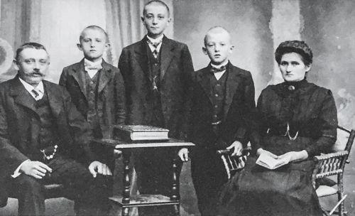Gründerfamilie Klöffel 1911