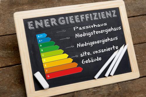 Passivhäuser nutzen vorhandene Energiequellen optimal und zeichnen sich doch besonders gute Wärmedämmung und Lüftungsanlagen aus