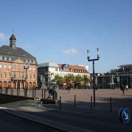 Neubau und Sanierung des Hanauer Marktplatz mit Unterstützung des Ingenieurbüro Klöffel