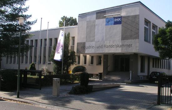 Das Ingenieurbüro Klöffel unterstützte die Neubau- und Sanierungsarbeiten der IHK Hanau durch die Leistungsphasen-Planung HOAI 1-8.