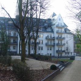 Sanierung der Wohnungsanlagen Hofgarten in Frnakfurt